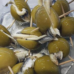 oliva con boqueron